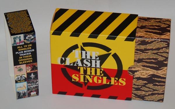Box in box, Clash (The) - The Singles