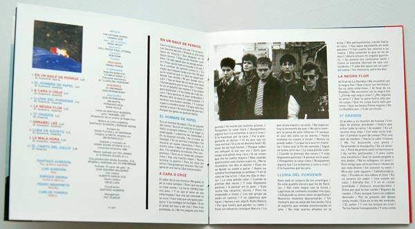 Booklet pages 8-9, Radio Futura - Caja de Canciones