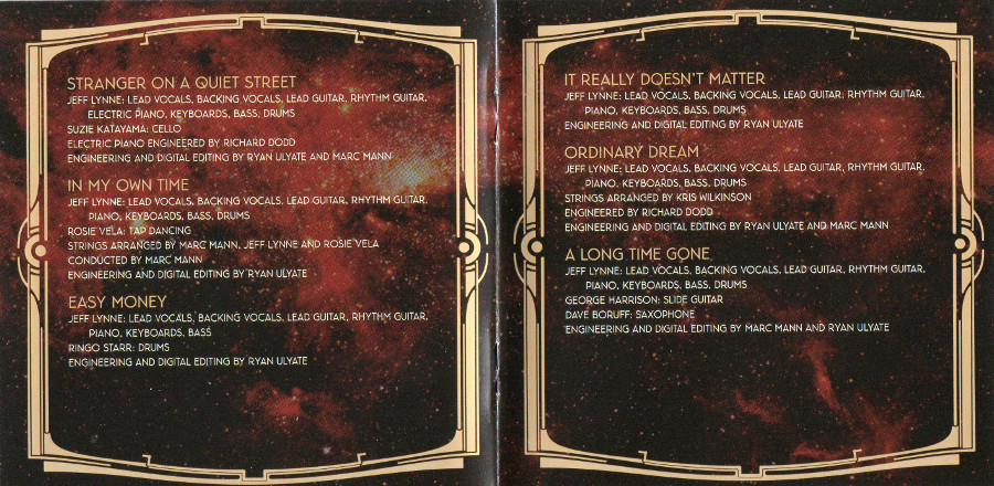 Center pages from english booklet, Electric Light Orchestra - Zoom + 3 bonus tracks