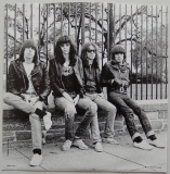 Ramones - Leave Home +16, Inner sleeve side B