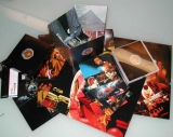 Santana - Lotus, Conents (the pictured 12 by 12 cards did not come with this release)