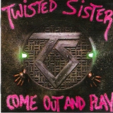 Twisted Sister - Come Out And Play, Lyrics booklet front